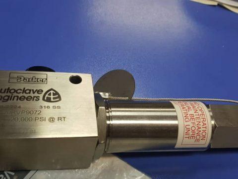 سيفتی ولو فشار بالا پارکر صنعت مارکت تامين کننده انواع شير اطمينان فشار بالا برندهای پارکر 86082557-021 انواع تجهيزات ابزاردقيق